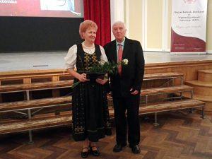 Kulcsárné Csejtei Marianna, énektanár, népzenei rendezvényszervező és Saltzer Géza, a KÓTA Nemzetiségi Szakbizottságának elnöke